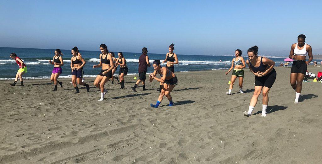 Sesión de trabajo en la playa para el Grupo Hafesa RACA Granada