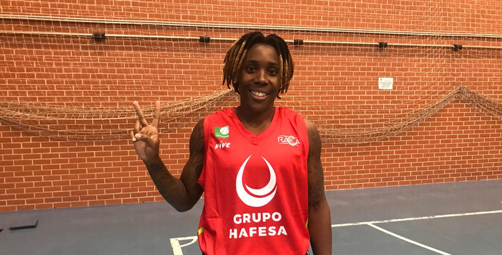 Ladondra Johnson llega a Granada