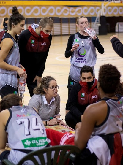 El Grupo Hafesa Granada suma su cuarta victoria frente al Tecnigen Baloncesto Sevilla Femenino (57-72)